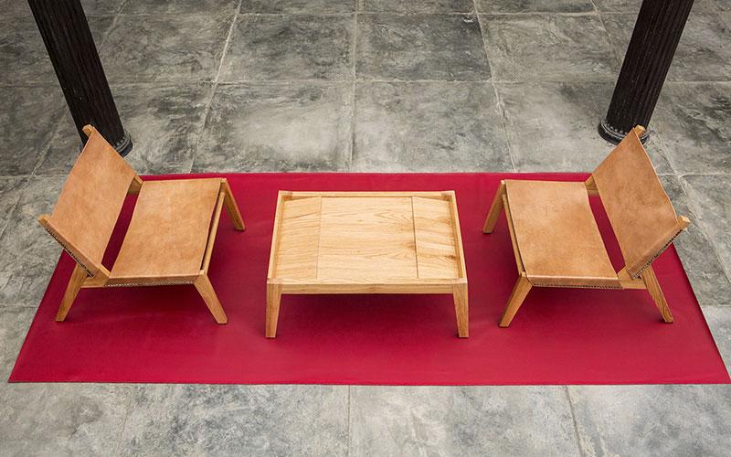 butacas y mesa
