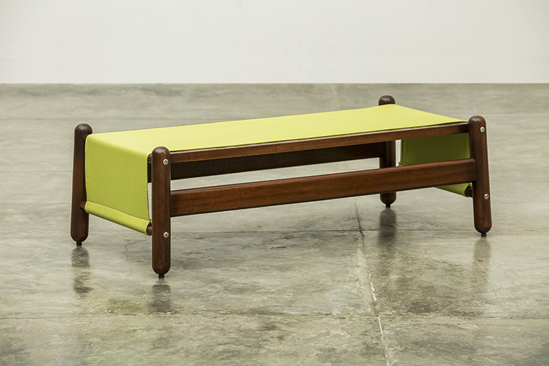 Mesa de centro del Conjunto Happy Diseño Luis Ramírez
